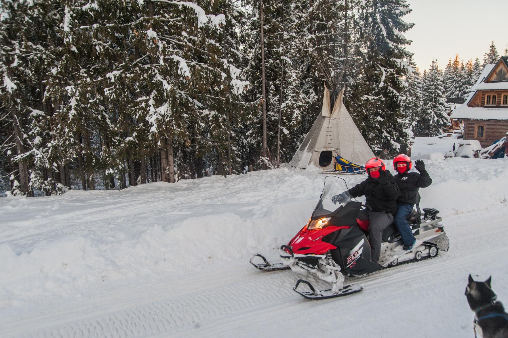 skutery śnieżne